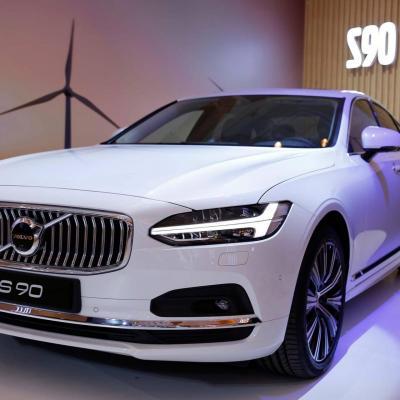 Lựa chọn sedan hạng sang tầm 2-3 tỷ đồng ngoài Mercedes-Benz và BMW
